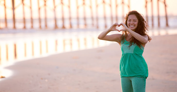 Banyan Ambassador, Alicia Lynn Diaz forming a heart with her hands
